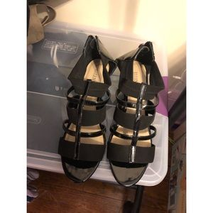 Ellen Tracy black patent and elastic wedges